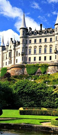 Travelling - Dunrobin Castle - stately home in Sutherland, Scotland