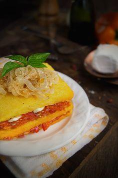 Rústica: Lasaña de Polenta con Pimientos & Cebollas Caramelizadas
