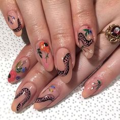 Semi-permanent varnish, false nails, patches: which manicure to choose? - My Nails Stiletto Nail Art, Acrylic Nails, Acrylics, Coffin Nail, Cute Nails, Pretty Nails, Hair And Nails, My Nails, Shellac Nails