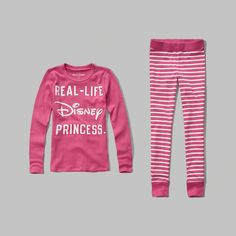 a fitted sleep set with heat transfer graphic for a comfortable wear, featuring Disney graphic tee with a crewneck, patterned leggings with ribbed cuffs and contrast trims, classic fit, imported<br><br>97% cotton/ 3% elastane