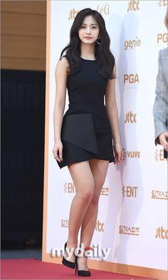 180110 32nd Golden Disc Awards Pretty Asian, Beautiful Asian Girls, Korean Beauty, Asian Beauty, Tzuyu Body, Twice Tzuyu, Most Beautiful Faces, Pop Fashion, Sexy Legs