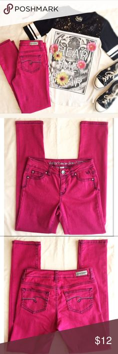 Justice Premium Girls Jeans Size 12 Regular. Justice Premium Girls Jeans Size 12 Regular. Pink stretch skinny jeans in excellent condition. 77% cotton, 20% polyester, and 3% spandex. Justice Bottoms Jeans