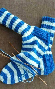 Knitting Socks, Hand Knitting, Slippers, Crochet, Pattern, How To Wear, Blue, Projects, Men