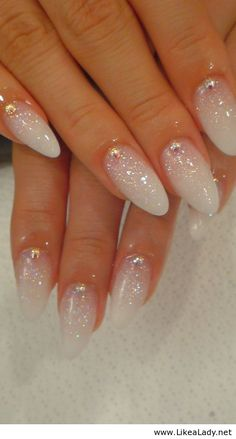white nails - Cerca con Google