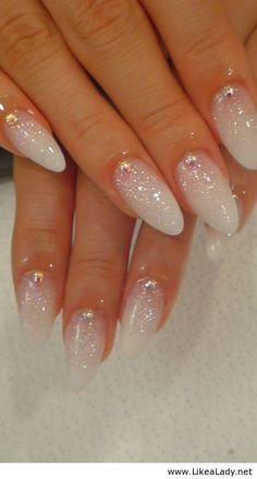 white nails - Cerca con Google