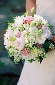 Southern Blooms by Pat's Floral Designs by Jen Fariello Photography