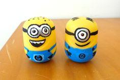 Kinder Egg Minions!!