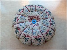 Tutorial for pincushion construction.  This picture leads to site (couldn't pin picture directly from site)