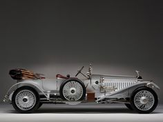1915 Rolls-Royce Silver Ghost More pics on: http://www.claspgarage.com/2014/03/1915-rolls-royce-silver-ghost.html