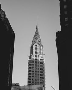 Old Glory Midtown Manhattan . . . #VSCO #VSCOcam #MyFujifilm #NYC #NewYork #NewYorkCity #InstagramNYC #cityscape #architecture #landscape #travel #views #light #mood #IloveNY #IloveNYC #welltravelled #followmetoo #passionpassport #chasinglight #justgoshoot #makemoments  #shootfilm #blackandwhite #contrast #street #streetphotography #urbangeometry #candid #justbackfrom #NYC