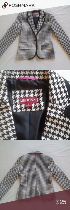 "NWOT Merona Houndstooth blazer, size 4 Description: - From Target's Merona brand - Bold black and white hounds tooth pattern - Single button - Single button on sleeves - two front pockets and a small coin slot above the front pocket - Cute pink lining under the collar - Pink stitching details on lining - New without tags! I cut the tags off but never wore it.  Measurements: - Size 4 - armpit-to-armpit=19"" - waist=32"" - sleeve from shoulder=24"" - shoulder to hem=24"" Merona Jackets & Coats…"