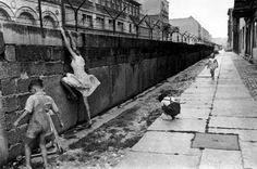 Инженерно-оборудованная и укреплённая государственная граница Германской Демократической Республики с Западным Берлином.