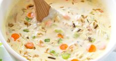 Creamy Chicken and Wild Rice Soup Low Calorie Recipes, Ww Recipes, Soup Recipes, Cooking Recipes, Healthy Recipes, Delicious Recipes, Slow Cooker Soup, Slow Cooker Recipes, Crockpot Recipes