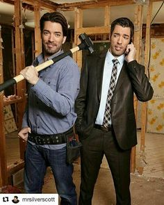 Jonathan Scott, one half of Property Brothers, had found his soulmate in Jacinta Kuznetsov. Read here to find out where their fairytale romance went wrong? Jonathan Silver Scott, Drew Scott, Jacinta Kuznetsov, Hgtv Property Brothers, Scott Brothers, Season Premiere, Celebs, Celebrities, Going Out