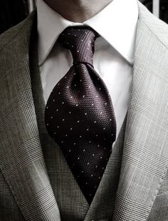 Beautiful tie knot and 3 piece suit. #Aim2Win