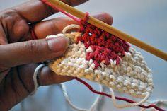 Carrying colors in crochet Tutorial ✿Teresa Restegui http://www.pinterest.com/teretegui/✿