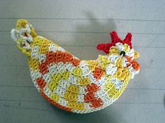 Rooster Potholder...  too cute, I'll have to make this for my chicken kitchen...   every hen needs a rooster!!!   yeah right....   :o|
