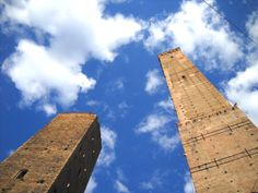 Garisenda and Asinelli towers, Bologna