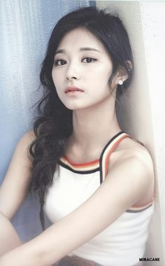 Twice 👽// Tzuyu Nayeon, Kpop Girl Groups, Korean Girl Groups, Kpop Girls, K Pop, Asian Woman, Asian Girl, Twice Tzuyu, Oppa Gangnam Style