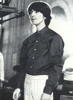 George Harrison. jorobado, tierno y nerd.