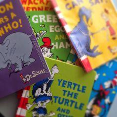 La selezione dei 5 piu' belli del Dr Seuss secondo Mirella! : )  Le recensioni le trovate qui: http://readmeabookblog.blogspot.co.uk/2015/04/dr-seuss-i-5-libri-piu-belli.html