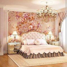When u use a touch of flowers to make ur bedroom more feminine ...it's cute .....#dxb #paris #london #luxury #doha #qatar #mydubai #dubai…