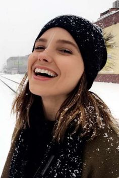 Image about sophia bush in One Chicago by Mapi. Erin Lindsay, People Always Leave, Beautiful People, Beautiful Women, Girl Crushes, Celebs, Female Celebrities, Actresses, Portrait
