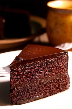 Wedding Cake Recipes THIS is the best chocolate moist cake you will ever have! Easy, pretty, and homemade from scratch. Chocolate Cake From Scratch, Cake Recipes From Scratch, Bakery Recipes, Dessert Recipes, Lunch Recipes, Paleo Recipes, Desserts, Best Chocolate, Chocolate Cakes