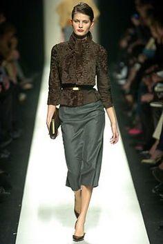 Céline Fall 2004 Ready-to-Wear Fashion Show - Isabeli Fontana (Next)