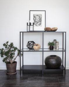 Ikea 'Vittsjö' shelf @klintdrupp