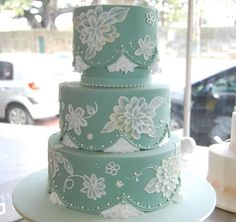 Lace frill vintage wedding cake / Delicate frills peek out from under icing scallops with a gorgeous hand painted flower motif. Gorgeous Cakes, Pretty Cakes, Cute Cakes, Amazing Wedding Cakes, Amazing Cakes, Brush Embroidery Cake, Embroidery Ideas, Painted Cakes, Elegant Cakes