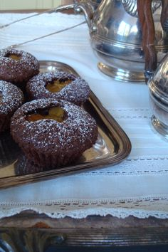 Tangerine and chocolate cake Cooking Dishes, Baking Cupcakes, Chocolate Cake, Muffin, Orange Grove, Breakfast, Recipes, Food, Ideas