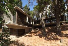 BB House / BAK Architects// concreto armado, te amo <3