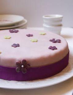 Le gâteau damier : un assemblage de deux gâteaux de couleurs différentes j'ai choisi de partir d'une base de gâteau au yaourt tout simple e...