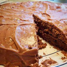 Sjokoladekake i fra gamledager. Baking Recipes, Cake Recipes, Danish Dessert, Norwegian Food, Norwegian Recipes, Desserts To Make, Something Sweet, I Love Food, Yummy Cakes