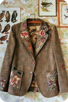 Imagem de http://www.roupascombinando.com/wp-content/uploads/wlw/Vejo-flores-em-voc-meu-casaco_F162/casacocomcolagem.jpg.