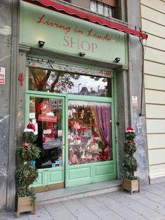 Madrid -Living in London- Ontdek meer vakanties, reizen, citytrips en vluchten naar Madrid, Spanje hier: http://www.travelcompare.be/products/citytrips/spanje/