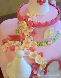 Princess castle cake / fairytale castle cake