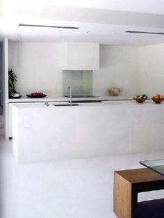 Barely There: Minimalist Kitchen Design