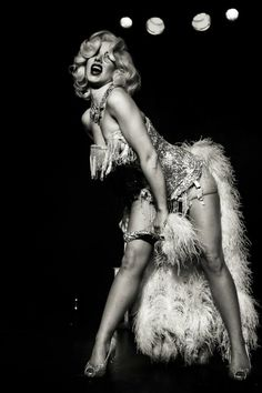 buRLesQue ~ Miss Banbury Cross