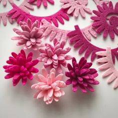 Delightful pink Daisy flower packsYou will receive two of each colour total of 10 Daisy flowers per pack, with s choice of adding 10 leaves. Flower colours include PinkPink violet Pixie pink...