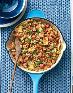 Ham and Lima Bean Fried Rice - 31 Quick and Easy Dinner Recipes to Make Every Night in March - Southernliving. Recipe: Ham and Lima Bean Fried Rice Don't even think about dialing takeout. Our Ham and Lima Bean Fried Rice is going to satisfy your craving. Rice Recipes, Pork Recipes, Cooking Recipes, Skillet Recipes, Cajun Cooking, Cooking Rice, Popcorn Recipes, One Dish Dinners, Recipes