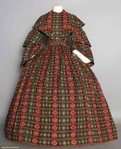 PRINTED WOOL DAY DRESS, 1850s