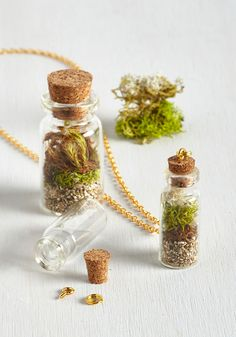 On-the-Go Environment DIY Terrarium Necklace Kit. Cant stand to leave nature behind when you enter the concrete jungle? #multi #modcloth