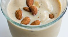 Healthy smoothie with almonds    www.ilovehealth.nl