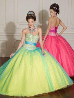 Lindos vestidos de 15 años para jovencitas   Moda 2014