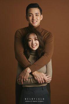 Korean Wedding Photography, Couple Photography Poses, Love Photography, Pre Wedding Photoshoot, Wedding Poses, Wedding Shoot, Couple Posing, Couple Shoot, Photoshoot Concept
