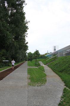 studio k - park Rozebroeken Sint-Amandsberg Gent 2012 (uitgewassen betonverharding, grasbetontegels, finse piste, grasheuvel, zwembad)