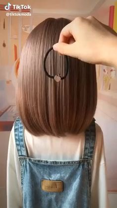 Hairstyles for long hair videos hairstyles tutorials compilation 2019 part 40 compilation hair hairstyles long part tutorials videos mehr als 20 einfache tutorials fr diy frisuren in 3 minuten Easy Hairstyles For Long Hair, Cute Hairstyles, Braided Hairstyles, Beautiful Hairstyles, Hairstyles Videos, School Hairstyles, Creative Hairstyles, Hairstyle For Kids, Hair Ideas For School