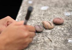 Piedras como tarjeteros